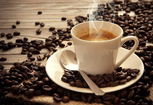 Không nên uống quá nhiều cà phê trong ngày