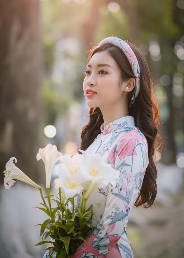 Đăng quang Hoa hậu Việt Nam sau 2 năm, Mỹ Linh đã làm rất tốt vai trò của mình.
