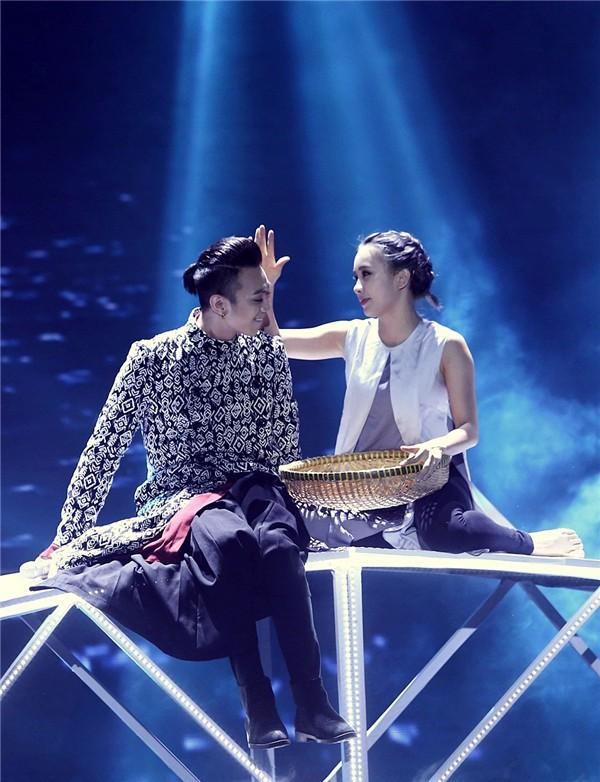 Phạm Lịch kết hợp với khá nhiều nghệ sĩ tên tuổi trong các chương trình có vũ đạo