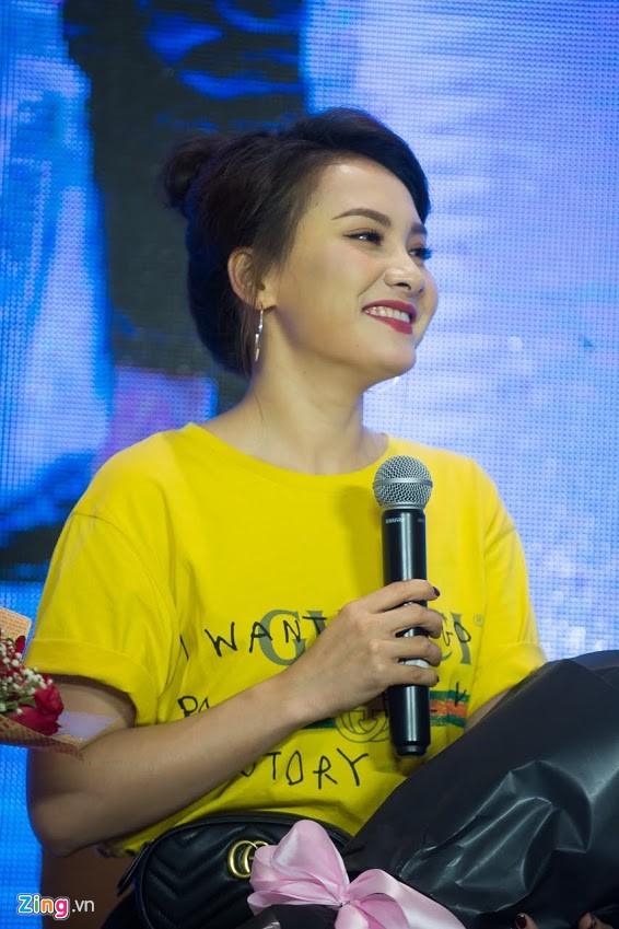 Nữ diễn viên khẳng định cô vẫn hot vì đắt show sự kiện. Ảnh: Quỳnh Trang.