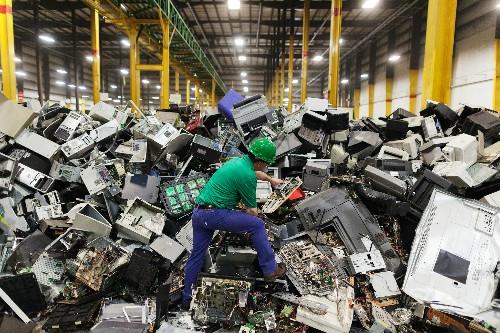 Phần lớn linh kiện điện tử trong đồ gia dụng cũ có thể tái chế.
