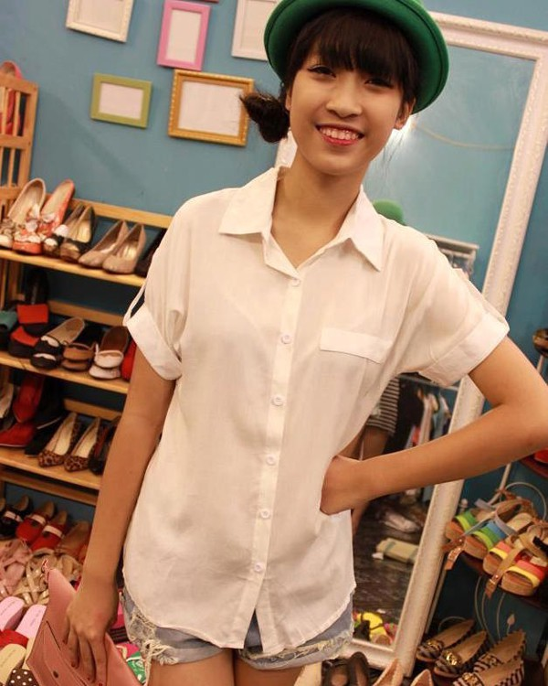 Đỗ Mỹ Linh buôn bán quần áo online...