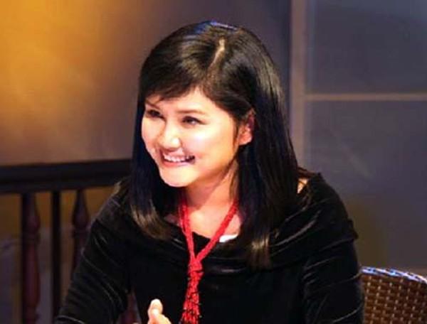 Sau đó năm 1989, chị được nhận vào làm công tác biên dịch ở Trung tâm Phim truyện của Đài truyền hình Việt Nam. Chị đã trở thành một nhà báo giỏi, một bình luận viên sáng giá, một ngôi sao truyền hình được hâm mộ bởi phong cách tự tin, bản lĩnh và cái cách mà chị đặt vấn đề ở chuyên mục Câu chuyện quốc tế.