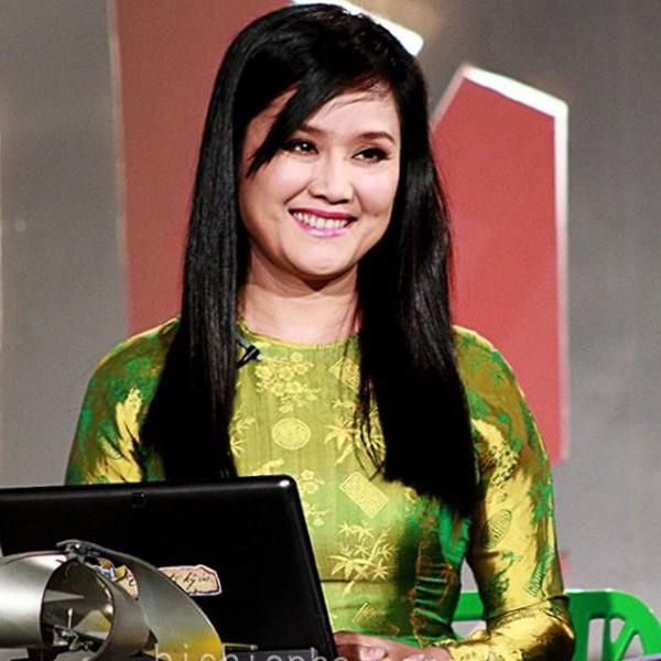 Sau một thời gian vắng bóng ở VTV, chị bất ngờ tái xuất với vai trò MC trong chương trình Như chưa hề có cuộc chia ly. Bằng giọng đọc truyền cảm, chị đã lấy đi rất nhiều nước mắt của khán giả.