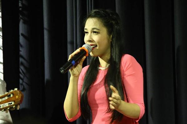 Ca sĩ Ngọc Mai từng là thành viên nhóm Mặt trời mọc. Đây cũng là nhóm nhạc mà ông xã cô yêu thích.