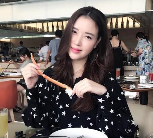 Em gái Hoa hậu Mai Phương Thúy là Ngọc Phượng (23 tuổi). Cô từng gây xôn xao khi xuất hiện cùng chị gái hồi mới đăng quang.