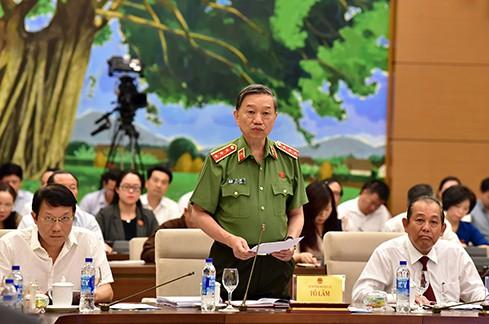 Bộ trưởng Tô Lâm cho biết, hành vi gian lận thi cử thì không phải là mới và không phải đến 2018 này mới có mà có thể đã diễn ra từ thời gian trước. Ảnh QH