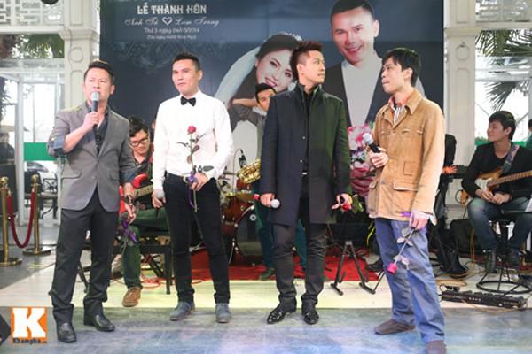 Ban nhạc Quả dưa hấu hội ngộ trong đám cưới của Tú Dưa và Lam Trang.