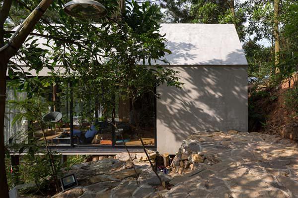 Thiết kế linh hoạt giúp công trình trở nên hài hòa hơn với tự nhiên.