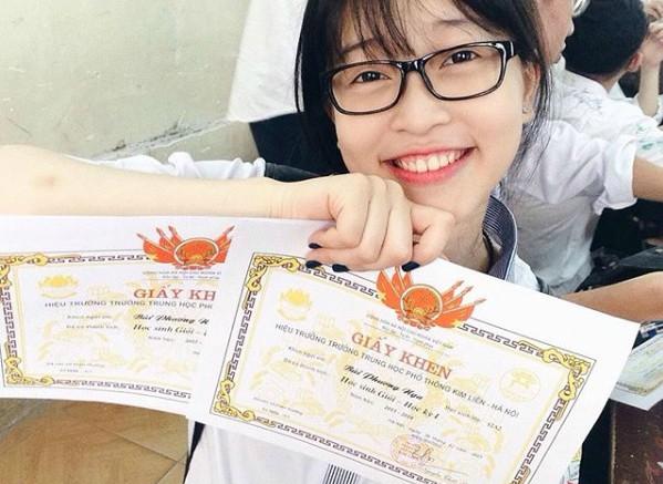 Ngoài thời gian học tập, Phương Nga yêu thích các hoạt động ngoại khóa và đặc biệt đam mê nhảy. Cô học nhảy từ năm lớp 7 và từng nhiều lần thể hiện khả năng nhảy hiện đại trong cuộc thi Hoa hậu Việt Nam 2018. Cô cũng là một cán bộ lớp năng nổ trong những năm còn ngồi ghế nhà trường.