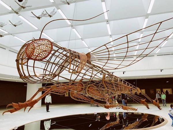 Hình ảnh triển lãm Dế mèn phiêu lưu ký tại Trung tâm Nghệ thuật đương đại Vincom.