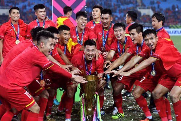 Niềm vui của đoàn quân HLV Park Hang - seo khi giành chức vô địch AFF cup 2018. Ảnh: TL