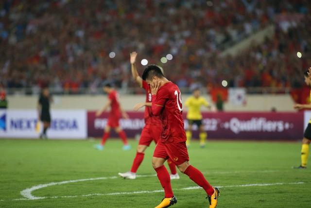 Việt Nam 1-0 Malaysia: Quang Hải ghi bàn đẳng cấp - Ảnh 13.