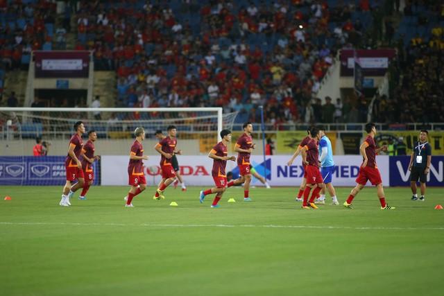 Việt Nam 1-0 Malaysia: Quang Hải ghi bàn đẳng cấp - Ảnh 22.