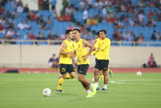 Việt Nam 1-0 Malaysia: Quang Hải ghi bàn đẳng cấp - Ảnh 24.