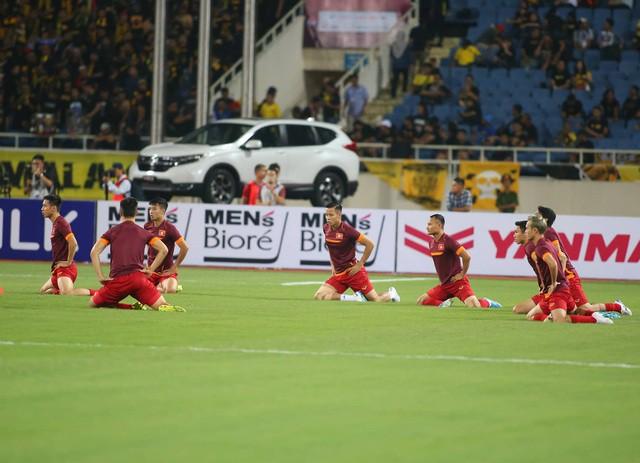 Việt Nam 1-0 Malaysia: Quang Hải ghi bàn đẳng cấp - Ảnh 30.