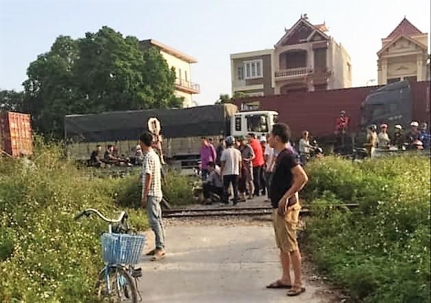 Hải Phòng: Băng qua đường sắt, người đàn ông bị tàu hỏa đâm tử vong - Ảnh 1.