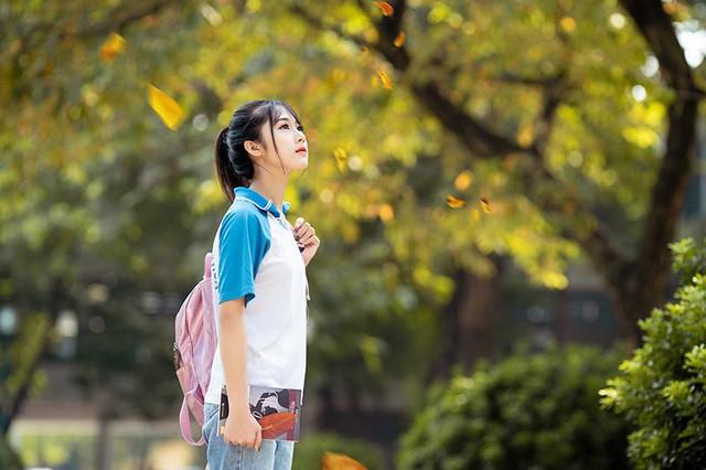 """Cô gái bỗng """"nổi như cồn"""" với bức ảnh mặc đồng phục ĐH Bách khoa  - Ảnh 5."""