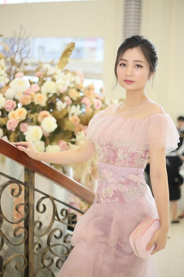 Diệu Hương Hoa hồng trên ngực trái: Gái Thành Nam làm dâu trưởng phố cổ Hà Thành - Ảnh 10.
