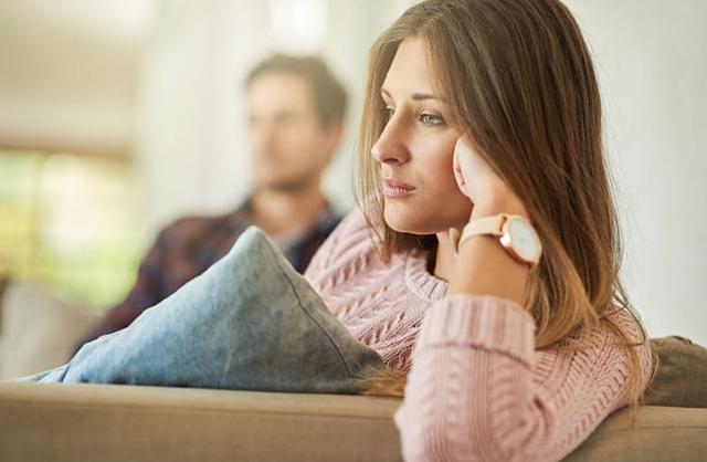 Đừng vội ly hôn nếu bạn vẫn còn 3 dấu hiệu có thể giữ gìn hạnh phúc  - Ảnh 1.