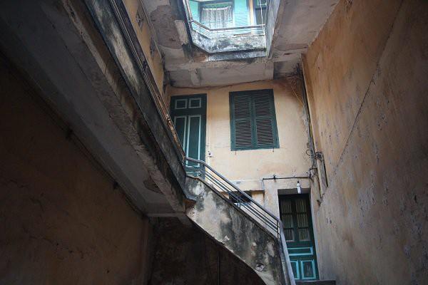 Ngôi nhà giàu nức tiếng phố Hàng Đào, gạch lát nhập từ Paris, vào nhà không cần bỏ giày dép  - Ảnh 9.