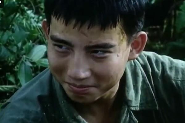 Hồng Quang Hoa hồng trên ngực trái: Gã chồng nhu nhược trên phim và cuộc sống bình yên bên người vợ đanh đá nhất màn ảnh Việt - Ảnh 2.