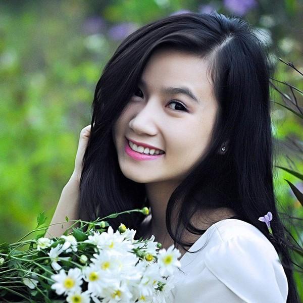 Lương Giang Hoa hồng trên ngực trái: Cô vợ cắm sừng chồng trên phim và hạnh phúc của người đàn bà biết đủ - Ảnh 4.