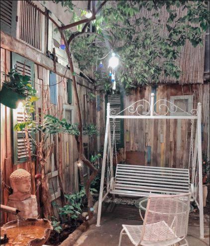 Thu sang, lang thang 5 quán cà phê view tình, đẹp nhất Hà Nội - Ảnh 19.