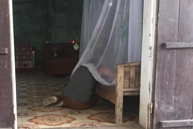 Người phụ nữ bị sát hại, phi tang xác ở nghĩa trang: Chồng cũ khóc thảm bên thi thể vợ - Ảnh 2.