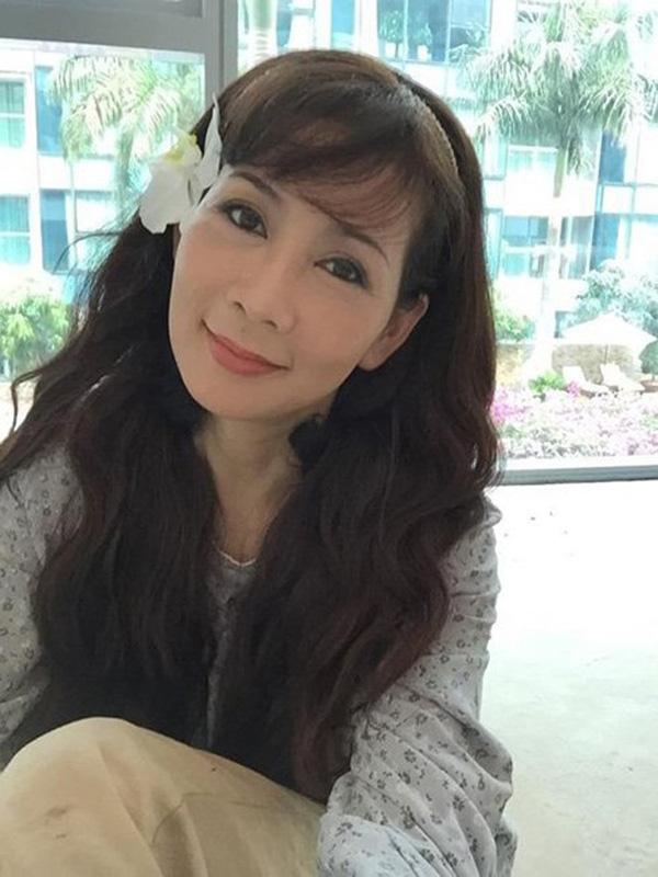NSND Hồng Vân tiết lộ Diễm Hương đang ở Malaysia, khán giả hoài niệm về một diễn viên tài sắc - Ảnh 8.