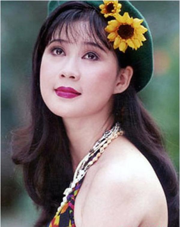 NSND Hồng Vân tiết lộ Diễm Hương đang ở Malaysia, khán giả hoài niệm về một diễn viên tài sắc - Ảnh 4.