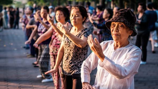GLTT về chăm sóc người cao tuổi, thích ứng với già hóa dân số:  Lo cho tuổi già ngay từ khi còn trẻ - Ảnh 2.