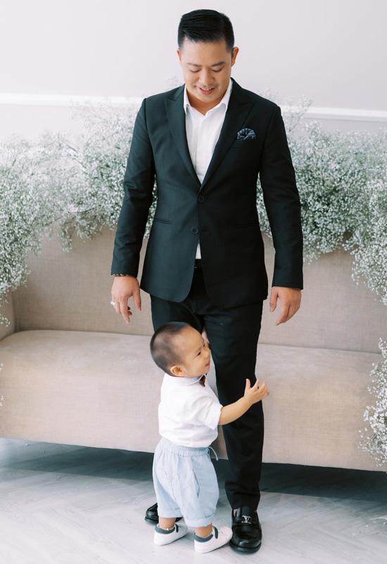 Con trai góp mặt trong ảnh cưới Giang Hồng Ngọc - Ảnh 3.