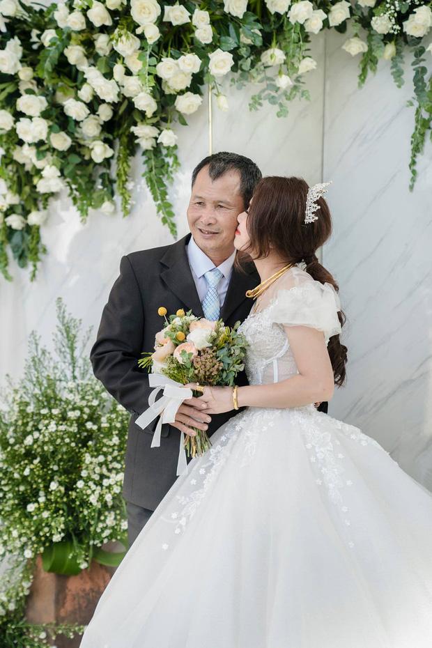 Con gái lấy chồng cách nhà 10km, cha vẫn nước mắt tuôn rơi ầm ầm - Ảnh 6.