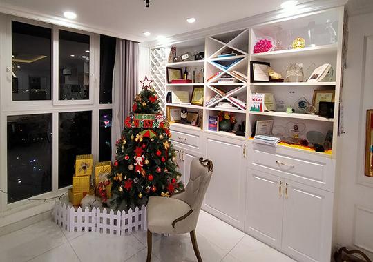Phi Thanh Vân khoe căn hộ 200 m2 xinh xắn nhưng ai cũng chỉ chú ý đến ghế tình yêu đặt trong phòng ngủ - Ảnh 5.