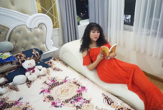 Phi Thanh Vân khoe căn hộ 200 m2 xinh xắn nhưng ai cũng chỉ chú ý đến ghế tình yêu đặt trong phòng ngủ - Ảnh 9.