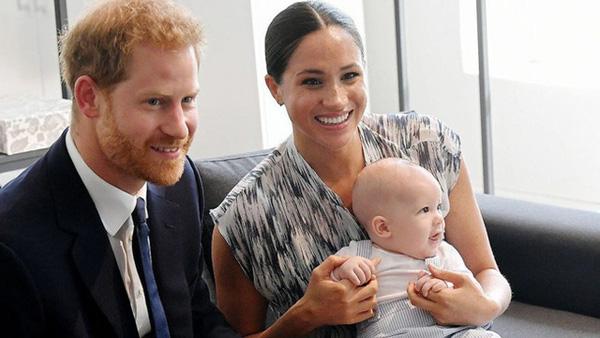 Vợ chồng Hoàng tử Harry - Meghan Markle bẽ bãng khi bị từ chối phục vụ vì lý do bất ngờ - Ảnh 2.