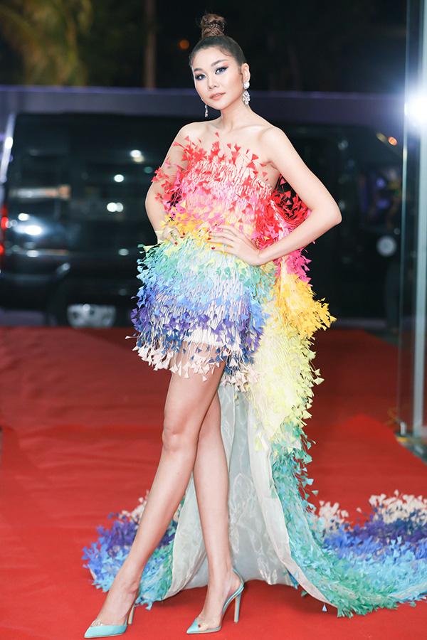 Dàn sao đổ bộ thảm đỏ Hoa hậu Hoàn vũ Việt Nam 2019, Thanh Hằng gây ấn tượng đặc biệt - Ảnh 1.