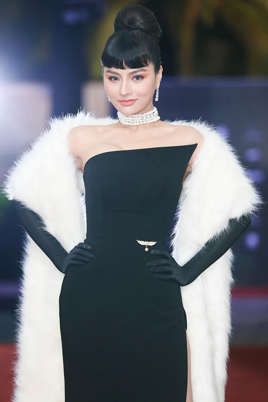 Dàn sao đổ bộ thảm đỏ Hoa hậu Hoàn vũ Việt Nam 2019, Thanh Hằng gây ấn tượng đặc biệt - Ảnh 3.