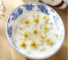 Làm đẹp dưỡng nhan bằng lẩu hoa cúc, bún hoa cúc trong những ngày lạnh - Ảnh 4.