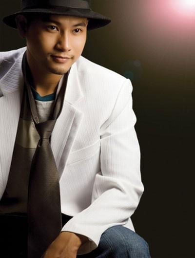 """Huỳnh Đông là diễn viên thực lực của điện ảnh phía Nam. Anh được công chúng biết tới sau khi anh tham gia phim """"Gọi giấc mơ về"""" của đạo diễn Xuân Cường."""