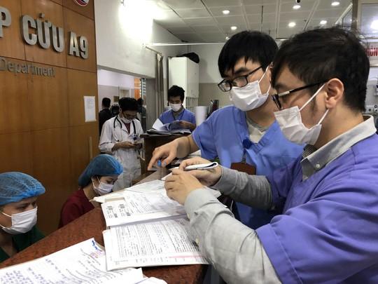 Các bác sĩ khoa Khám bệnh, Bệnh viện Bạch mai sẽ đi làm toàn bộ 9/9 ngày nghỉ lễ để giảm áp lực cho khoa Cấp cứu