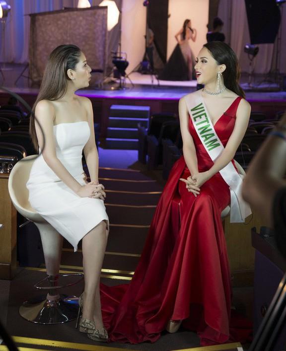 Phần phỏng vấn của Hương Giang năm 2018