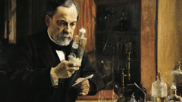 Nhà bác học người Pháp Louis Pasteur là người đầu tiên chế tạo ra vaccine