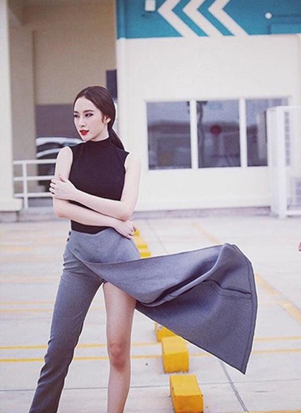 Angela Phương Trinh cũng từng diện những thiết kế quần bất đối xứng, nhưng hướng đến hình ảnh nữ tính thay vì cá tính như Hương Giang Idol.