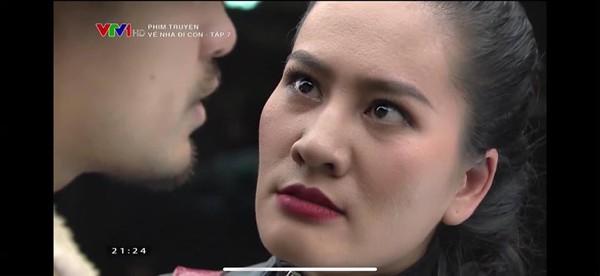 Minh Cúc vai Xinh trong Về nhà đi con.