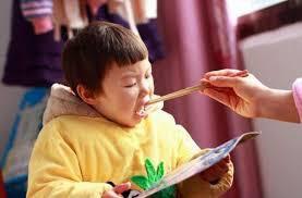 Thói quen xấu của cha mẹ vô tình hủy hoại tiềm năng của trẻ - Ảnh 1.