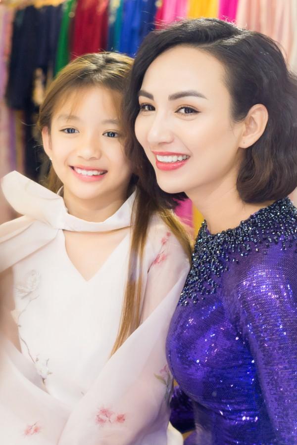 Ngọc Diễm và con gái Chikko.
