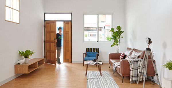 Tầng 1 bao gồm phòng khách, bếp và bàn ăn
