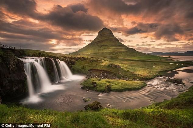 Iceland tiếp tục giữ vững vị trí số 1 với tư cách là quốc gia yên bình nhất thế giới.